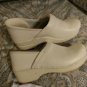 Womens White Dansko Leather Shoes